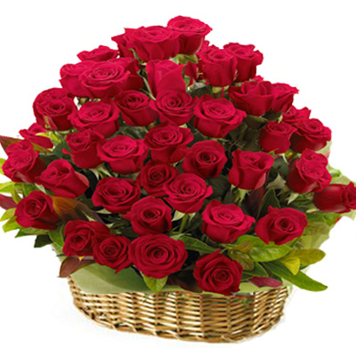 valentine's day basket of roses
