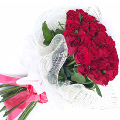 send Bunch of 15 Red Roses to Belgaum